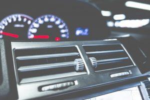 車 エアコン 修理