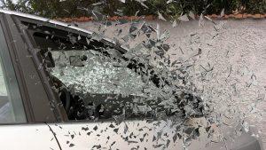 ハイブリッド車 事故